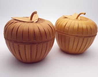 Set of 2 Wicker Apples Light weight Vintage Trinket Box Kitchen Dining Room Decor Farmhouse Cottage Chic Basket Weave