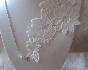 "necklace ""white floral lace"""