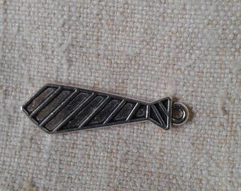 "set of 5 charms ""ties"" in silver"