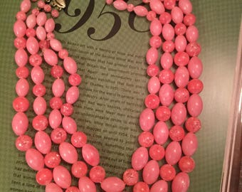 Vintage bright pink four-strand beaded necklace (A246)