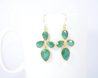 Emerald earring,Green color earring,Emerald dangle earring,Pear shape earring ,gold plating earring,gemstone dangle earring, May birthstone