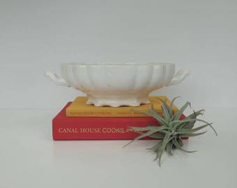 Vintage Pedestal Dish, Compote dish, Centerpiece, Sideboard Dish