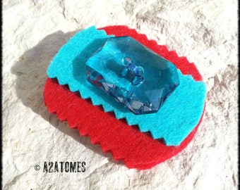 Women red and blue felt brooch turquoise button
