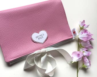 Bow Carry Case - Pink leatherette