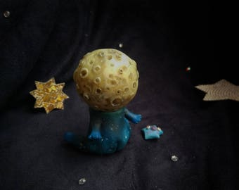 moon with fluorescent head polimer clay