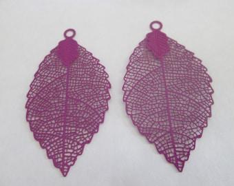 2 leaf prints purple 54 x 30 mm metal