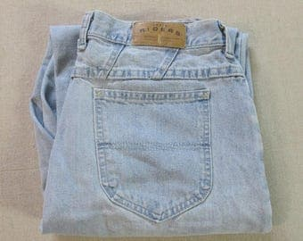 Vintage 1980's LEE Riders Light Blue Denim High Waist Tapered Leg Mom Jeans Size 14 Long (33 x 33) USA