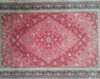 Persian rug qum silk 4.11 × 3.5 ft 149 × 103 cm very beautifull and very fine persian rug, silk on silk