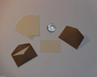 10 mini bwn/ wht envelopes