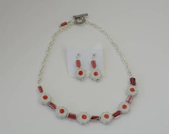Red and White Floral Necklace and Bracelet Set