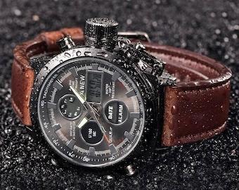 Men's wrist watch, dual time.