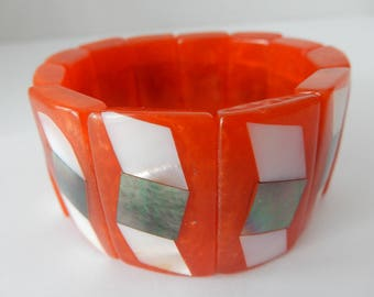 Large Rare Red irredecent inlay lucite stretch bracelet./vintage/chunky/midcentury/funky/