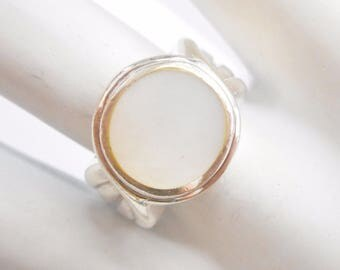 Pearl Ring, Sterling Ring, Vintage Ring, Pearl Rings, Vintage Rings, Quality Sterling Silver Round Mother Of Pearl Ring Sz 7.5 #3390