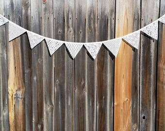 White Lace Bunting// Vintage Lace Bunting// Lace and Crochet// Party Wedding Bunting