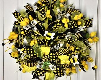 Spring Wreath, Bumble Bee Wreath, Summer Wreath, Wreath, Outside Wreath, Indoor Wreath, Whimsical Wreath, Tulip Wreath, Tulip, Bumble Bee