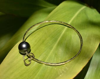 Tahitian Pearl Bangle - Gold filled with heart
