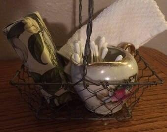 Little chicken wire basket