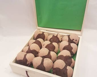 Aromatherapy mini heart bath bomb gift pack, Mint hot chocolate 12 pack chalkboard box, gift for her Valentines, kids, Mother's Day, bridal