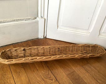 French baguette basket, wicker bread basket used in French bakery, frenche decoration, bread basket,  french culture, french touch