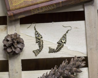 """cute pair of earrings """"fishbone"""" witch - gothic - rock - fish - magic - bronze - pagan - witchcraft - steampunk"""