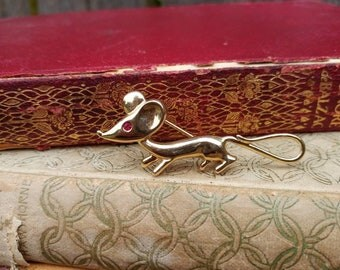 Stretch Mouse Brooch // Vintage Mouse Pin // Funny Mouse Jewelry // Mother's Day Gift // Mouse Lover Gift // Hat, Scarf or Purse Pin