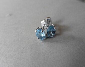 1.60ct Aqua marine stud earrings