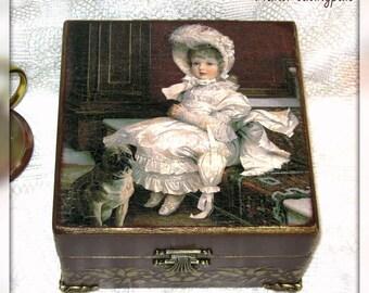 Decoupage Box with a Vintage Plot