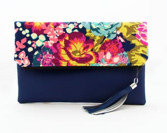 Vegan Leather Floral Fold Over Clutch. Fashion Purse. Everyday Purse. Medium Purses. Purses.