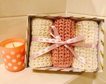 Bath | Gift Set | Washcloths | Crocheted | Pink & Cream