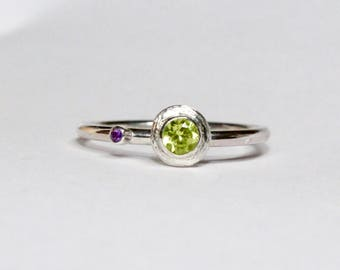 Peridot and amethyst silver stacking ring hand engraved detail
