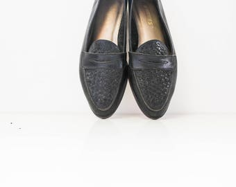 Black leather loafers size 7M