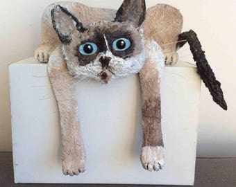 Cat Siamese tired, paper mache and acrylic.