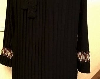 Dress pleated collar Mexican and ethnic embroidery