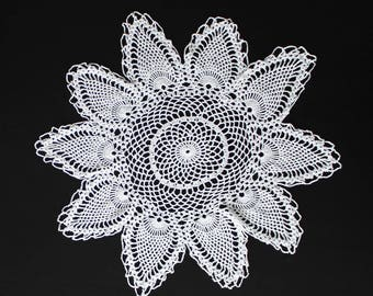 "17"" Vintage white crochet doily, 100% cotton"