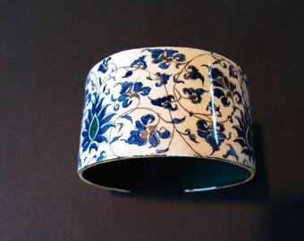 Oriental style bracelet