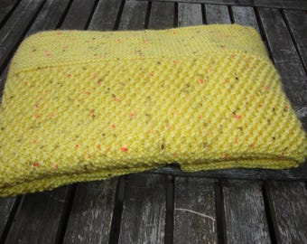 Yellow baby blanket 76 x 53 cm