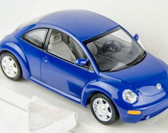 Vintage Revell Dealer Promo 1999 VW New Beetle 1/24 Scale Model Car Kit 85-0909