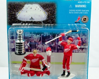 Starting Lineup 1997 Classic Doubles Chris Osgood Steve Yzerman Figure Red Wings