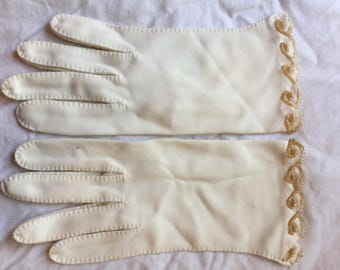 Vintage gloves with beading