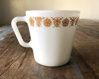 "VINTAGE PYREX Butterfly Gold ""D"" Handle Coffee/Tea Cup"