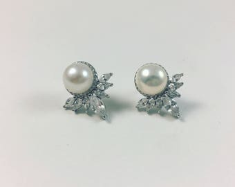 Freshwater pearl and Cubic Zirconia studs