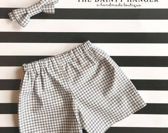 Shorts and Bow Tie Set Size 0-3 months