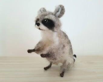 Needle Felted Raccoon, Needle Felted Animals, Raccoon Miniatures, Raccoon Figurines, Handmade - READY TO SHIP