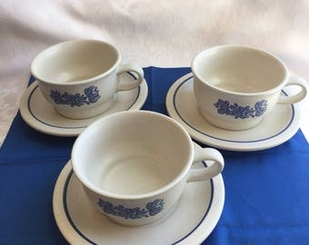 Vintage Pfaltzgraff cups and saucers (set of 3)