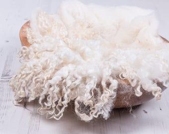 "MINI Felted Curls, ""Woolly Sheep"", basket stuffer, wool fluff, newborn prop, natural merino wool - ivory, cream, beige."