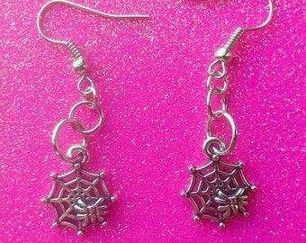 Halloween earrings, Spider web earrings, Spider earrings, Halloween Jewelry, Scary jewelry.