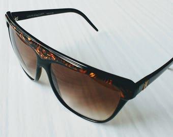Vintage Laura Biagiotti P24 - 62 L sunglasses