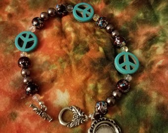 Handmade peace sign bracelet