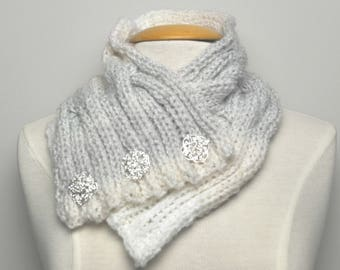 Knit Cable Cowl with decorative pins