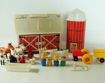 Fisher Price Little People, #915 Play Family Farm, 1968